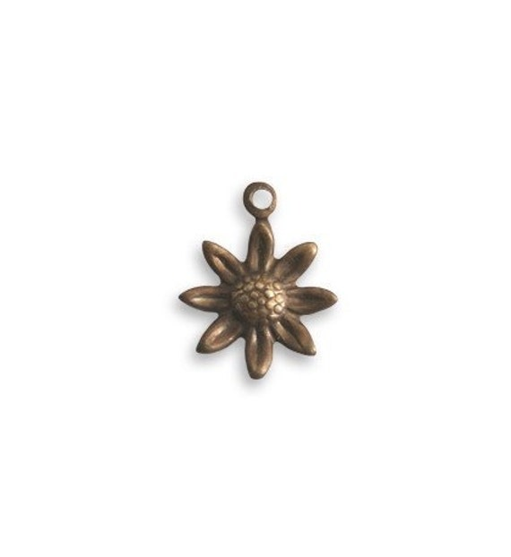 6 Pieces of Tiny Sunflower brass charm by VINTAJ - Natural Brass  DP45