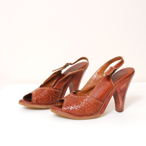 1970s Woven Leather Sandals - Wooden Heels - Size 6