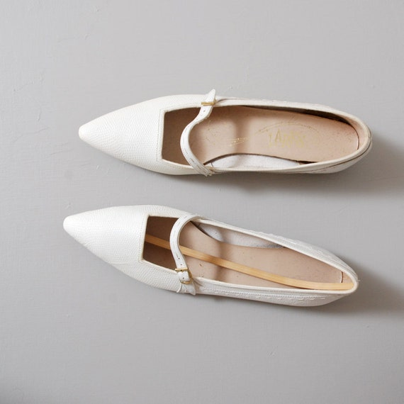 1960s Flats - White Pointed Toe Deadstock Mary Janes Size 6.5 - 7