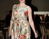 REDUCED. 1950s CLASSIC Dress in a stunning Floral Silk  .