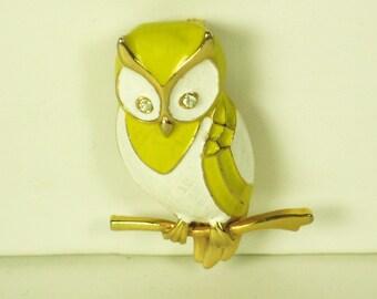 Vintage Boucher Yellow and White Enameled Owl Pin