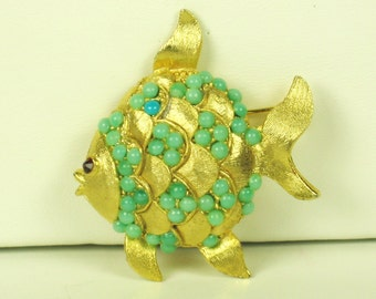 Vintage Weiss Turquoise Colored Glass Bead Fish Pin