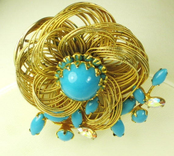 Vintage Hattie Carnegie Turquoise Glass Bead Floral Pin
