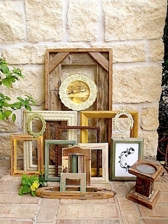 Farmhouse Finds Home Decor - Chicken Wire Message Board - Upcycled Vintage Picture Frames - Decorative Plate