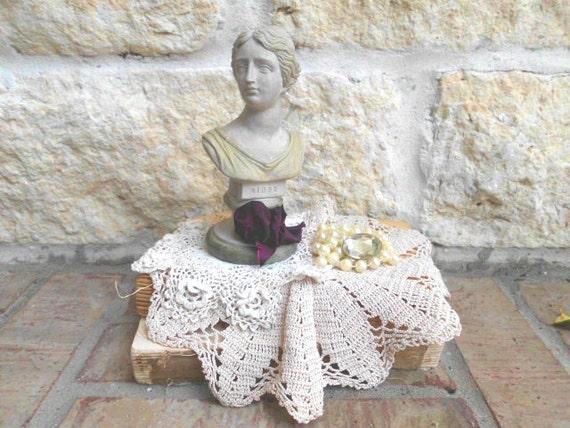 Vintage Decorative Bust Sculpture - NIOBE - Greek  Mythological Goddess - Icon - CHIC Display