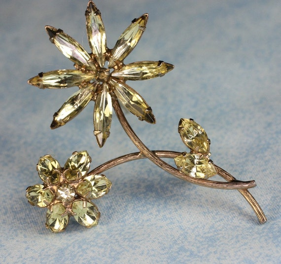 RESERVED Vintage Yellow Rhinestone Brooch Pale Yellow Crystal Flower