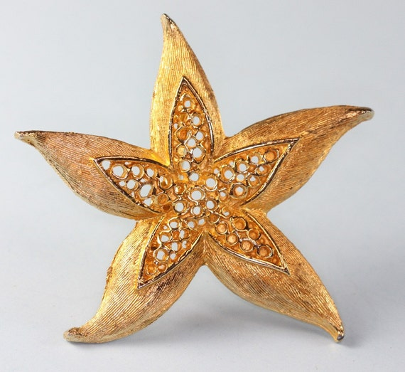 Starfish Brooch or Pin Vintage Gold Tone