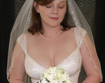 Wedding veil - 30 inch Waist Length Veil with organza ribbon trim