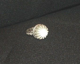 Sterling ring with clear quartz cabochon and it glows...