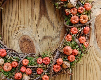 Fall Wreath / Rustic Dried Floral / Autumn Pumpkin Wreath  / Putka Pods / Mini Pumpkins / 14 -15 Inch wreath