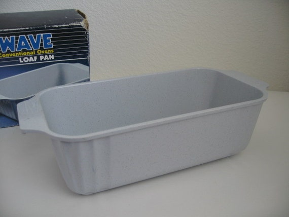 Loaf Pan- Microwave and conventional ovens Nordic Ware Loaf Pan-Made in USA