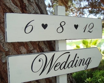 Wedding Sign - With DaTe & HeaRts - DiReCTioNaL WeDDiNg SiGnS - CLaSSiC STyLe - Custom Wedding SIGNS - 4ft Stake - Distressed Ivory