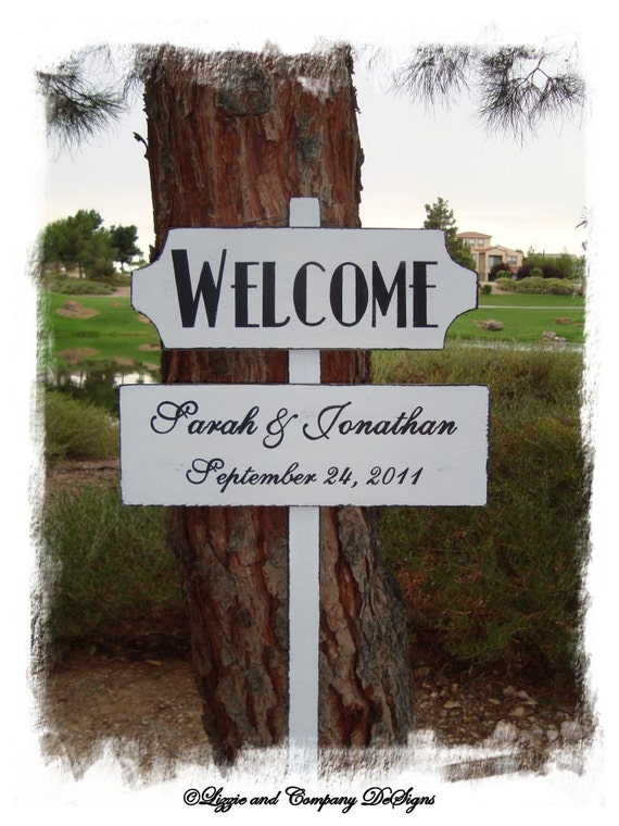 DiReCTioNaL WeDDiNg SiGnS - Art Deco Style Lettering - CuSToM WeLCoMe ReCePTioN SiGn - Wedding Arrow Signs - 4ft Stake - White