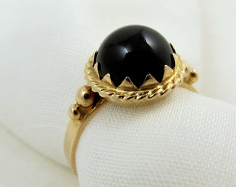 Vintage Italian 18K Solid Yellow Gold and Onyx Ring - Size 5