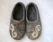 Felted slippers- grey wool slippers-house shoes-felt slippers-handmade wool slippers-natural slippers-women slippers- Valentines day gift