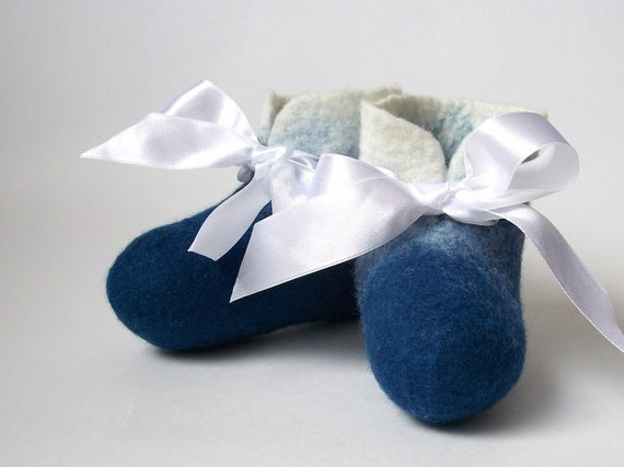 Felted kids booties-felt wool slippers-kids slippers- baby booties-felted slippers-natural slippers-felted white, blue booties-made to Order
