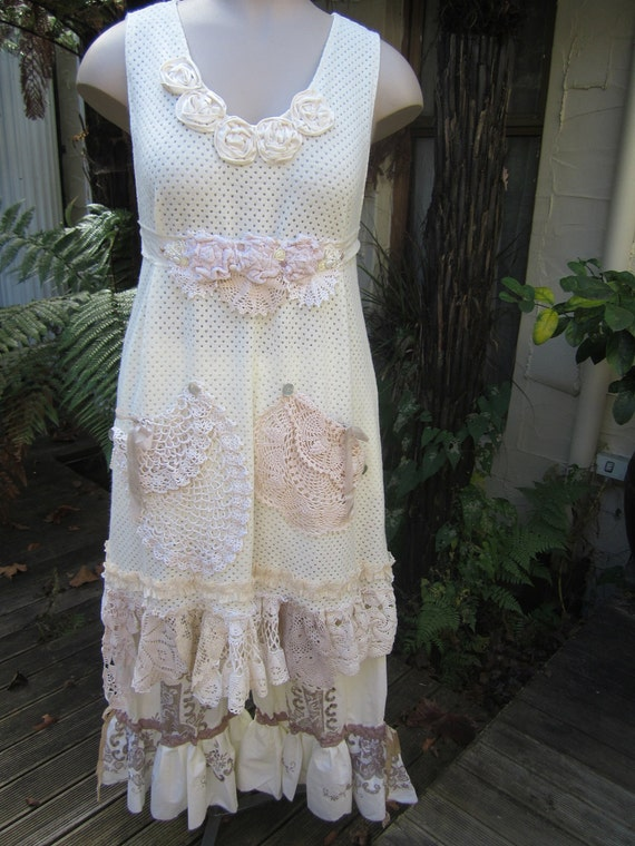 vintage kitty tunic dress... SHABBY CHIC.. soft cream stretch knit.. ooak.. lace, roses, doilies, crochet.. med - lge