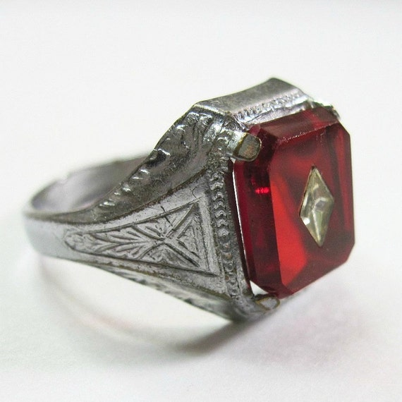 Art Deco Men S Ring Vintage 1930s Ruby Red Celluloid Stone