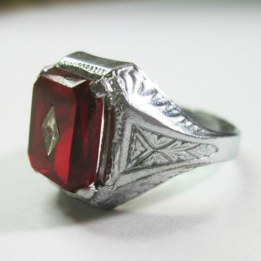 Art Deco Ring Vintage 1930s Blood Red Celluloid Stone Size 9 5
