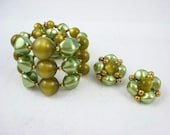 Vintage Green MOONGLOW LUCITE and Faux Pearl Wrap Bracelet Earrings Set
