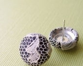 Lacey Romance Button Earrings - babblingbrookes