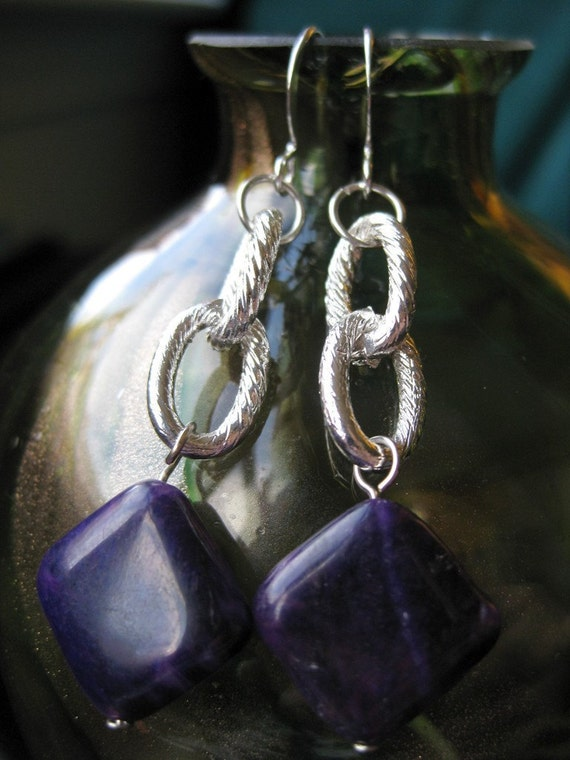 Textured chain and violet jade earrings