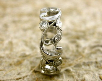 Elegant Diamond Wedding Ring in 14K White Gold with Floral Motif and Antiquing Size 8