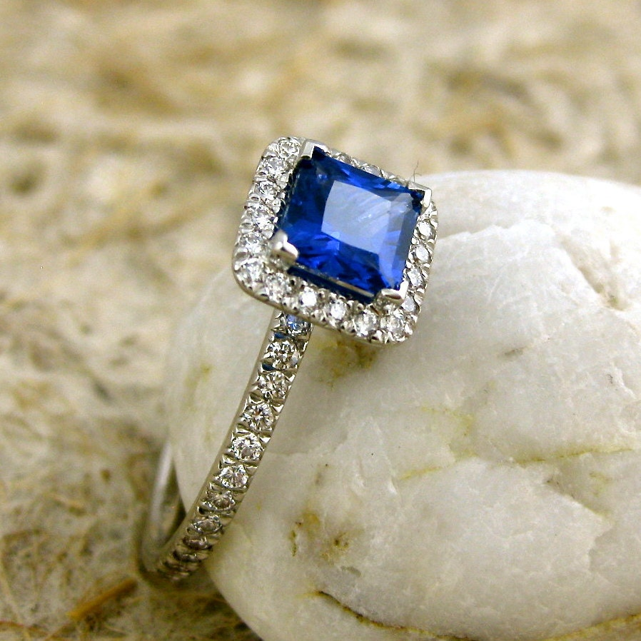 princess cut royal blue sapphire engagement ring in platinum. Black Bedroom Furniture Sets. Home Design Ideas