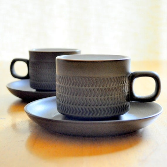 denby of england chevron cups and saucers