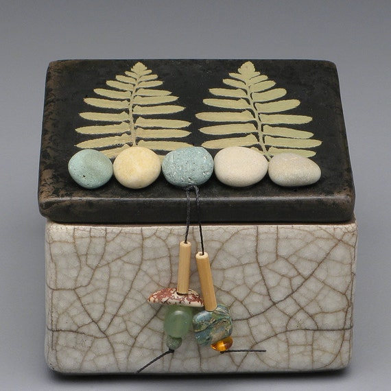 Box,ceramic, nature,zen,fern,leaf,handmade,ring box,earring box,keepsake box