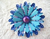 Vintage Flower Power Pin blue aqua enameled