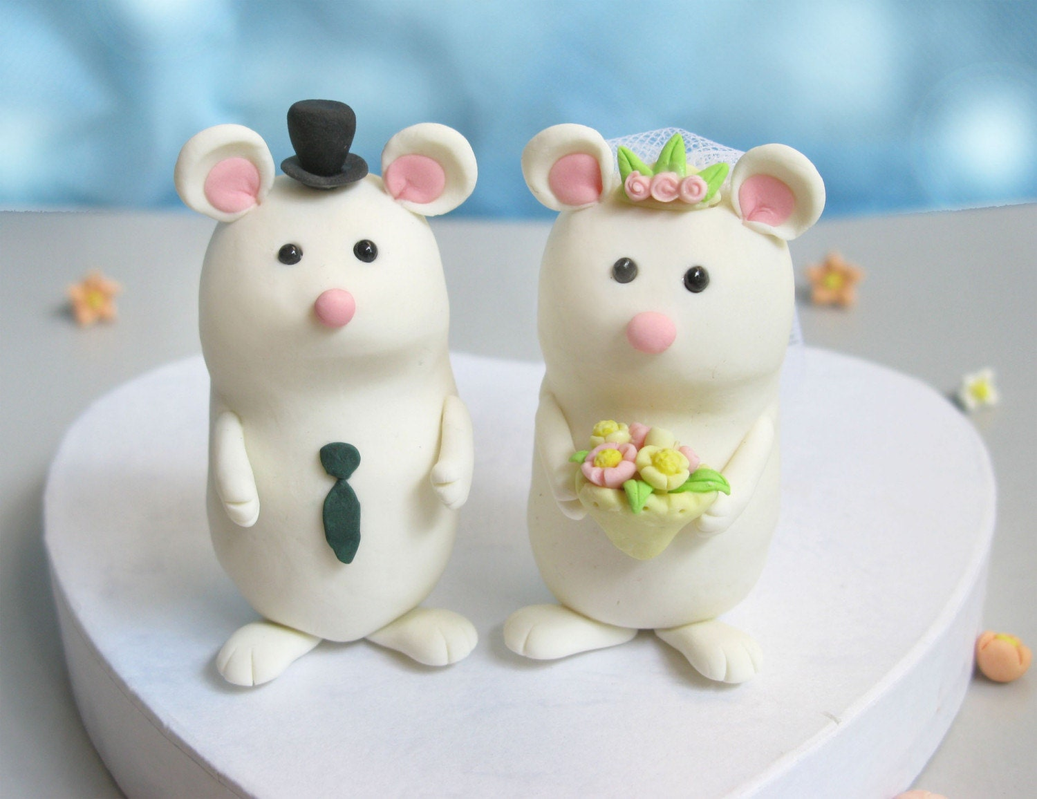 Elegant mice wedding cake toppers with stand by PassionArte
