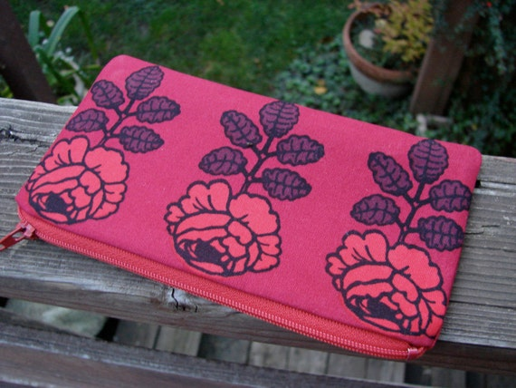 Red Roses, Vihkiruusu wallet coin purse, make up pouch, Finland
