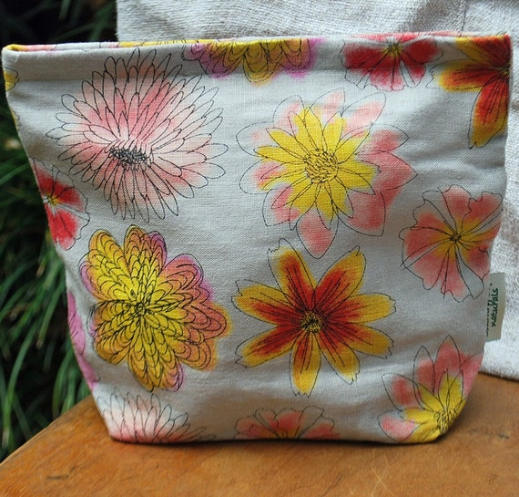 Organic Linen Sandwich/Storage Bag---Flower Toss