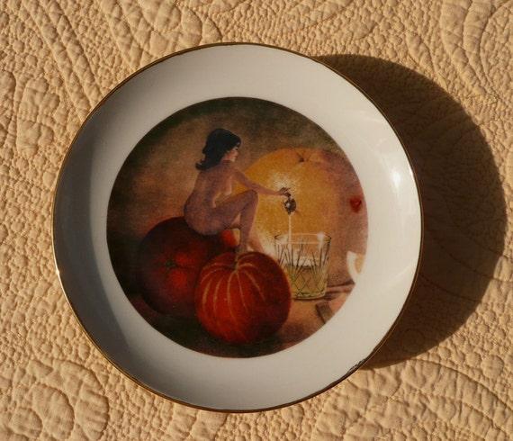 Naughty Goddess Porcelain 4 Plate Set