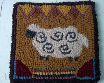 Beginner WOOLY SHEEP Primitive  Rug Hooking Kit with Cut wool Strips