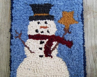 Beginner Snowman Primitive  Rug Hooking Kit  Free Shipping in U.S.