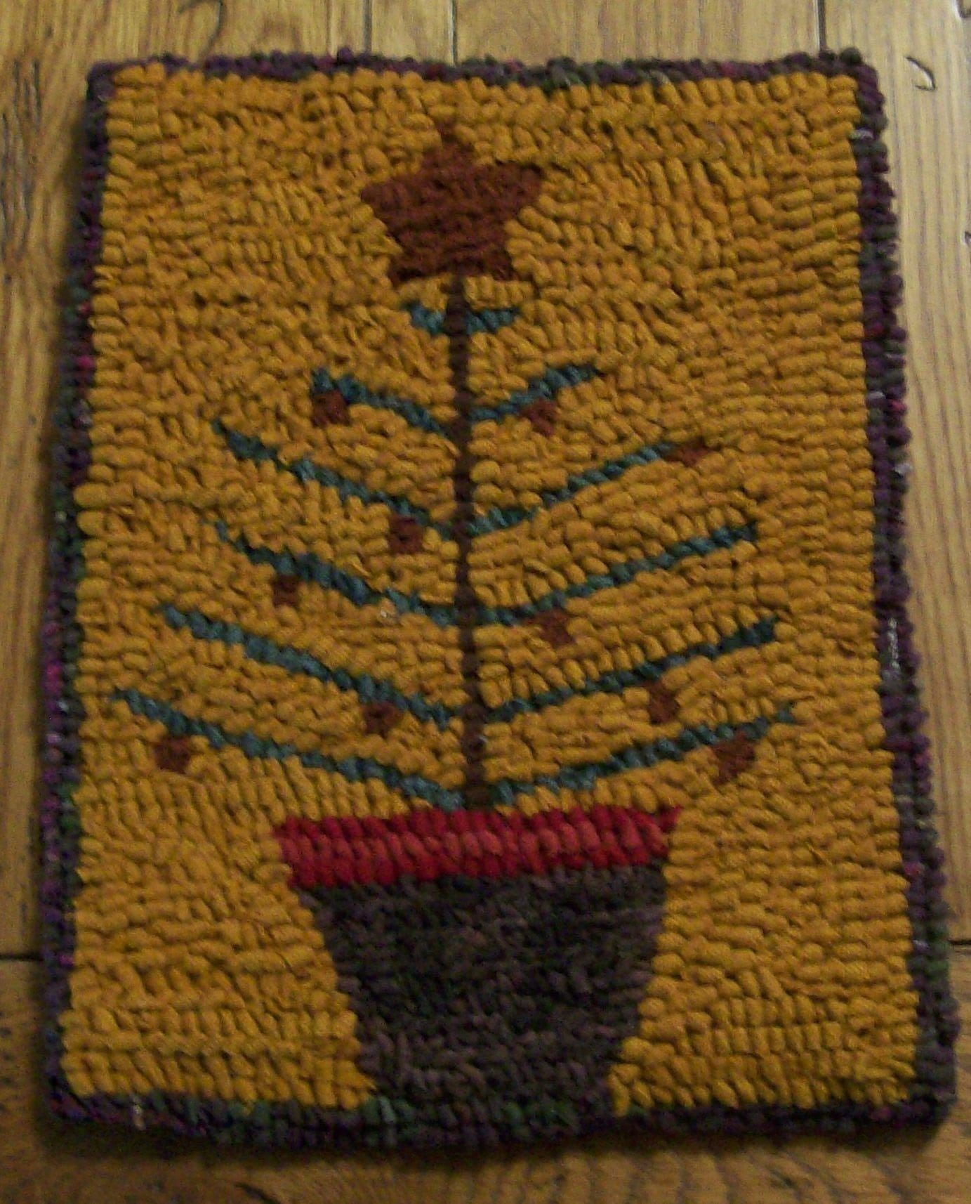 Washable Primitive Rugs: OLD TYME FEATHER TREE Primitive Hooked Rug And Wall Hanging