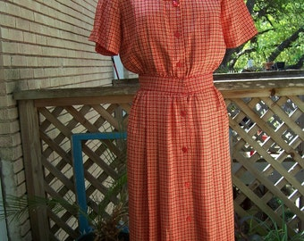 Vintage '80s red and white silk shirtwaist dress
