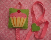Cupcake Hair Clip And Bow Holder