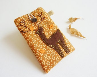 iPhone Sleeve, iPhone 4 Sleeve, iPhone 4 Case, Deer Cell Phone Case, Deer Mobile Cover, Padded iPhone 4 Case, Stocking stuffers - Deer
