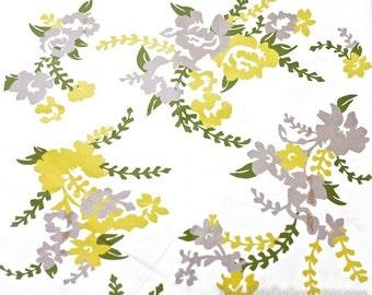 Light Canvas Fabric-Home Decor-Folk Art Floral (Fat Quarter)