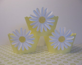 Daisy Styled Cupcake Wrappers - 48 Yellow