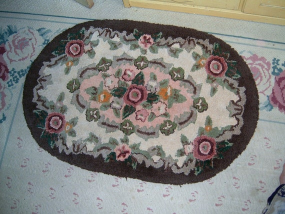 Reserved Reserved TREASURY FEATURED ITEM Vintage Shabby Sweet Roses Hooked Rug