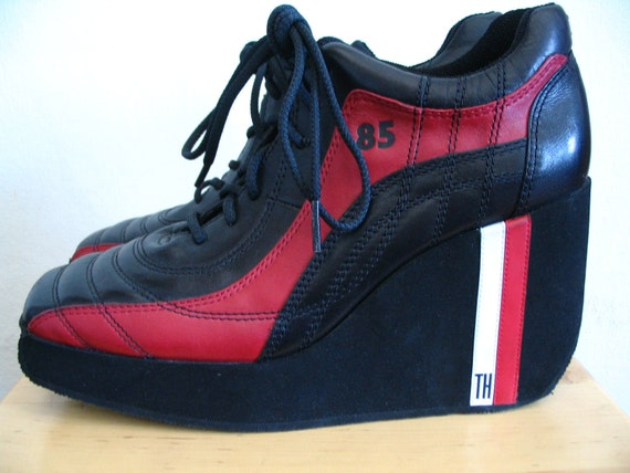 Tommy Hilfiger Wedge Platform Lace Up Racing Sneakers Size 9.5 B