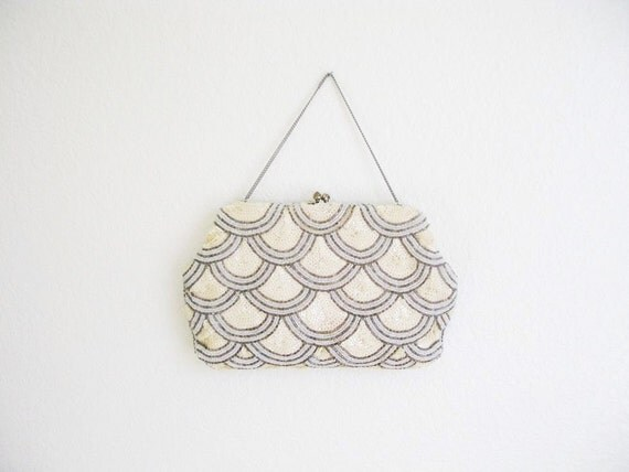 Vintage 1940's Scalloped Sequin Purse