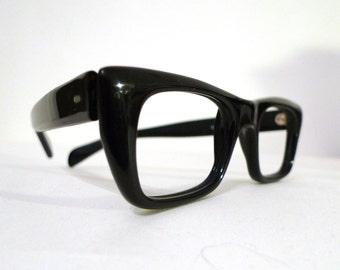 "NOS Vintage Black Wayfarer Style Eyeglasses, Sunglasses / Frame Italy/ Men/ Women / Geeks 44mm-Lens 22mm-Bridge 5.5""=Arm"