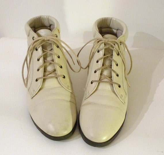 OffWhite Ankle Boots, Capezio /Granny Booties / Oxfords /Ankle Sneakers / Chukkas /Desert Booties //Sz. 8, Neutral
