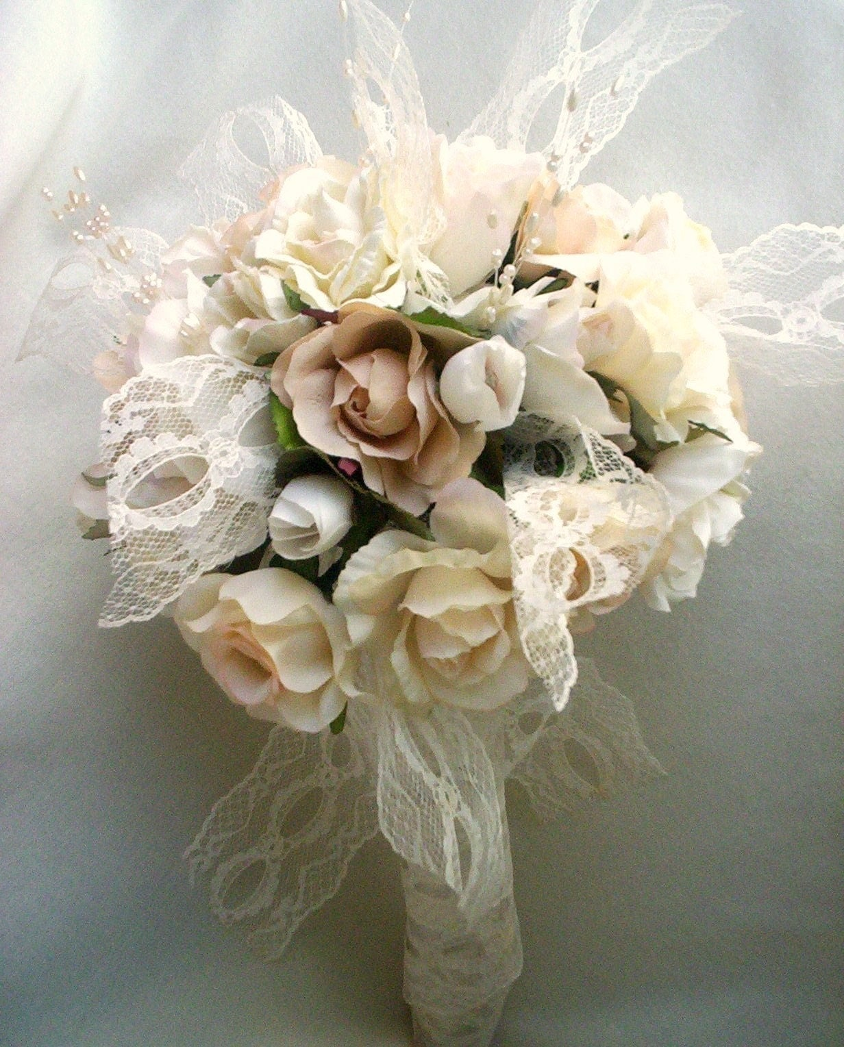 Designer bridal bouquet champagne and lace wedding by for Bouquet chic