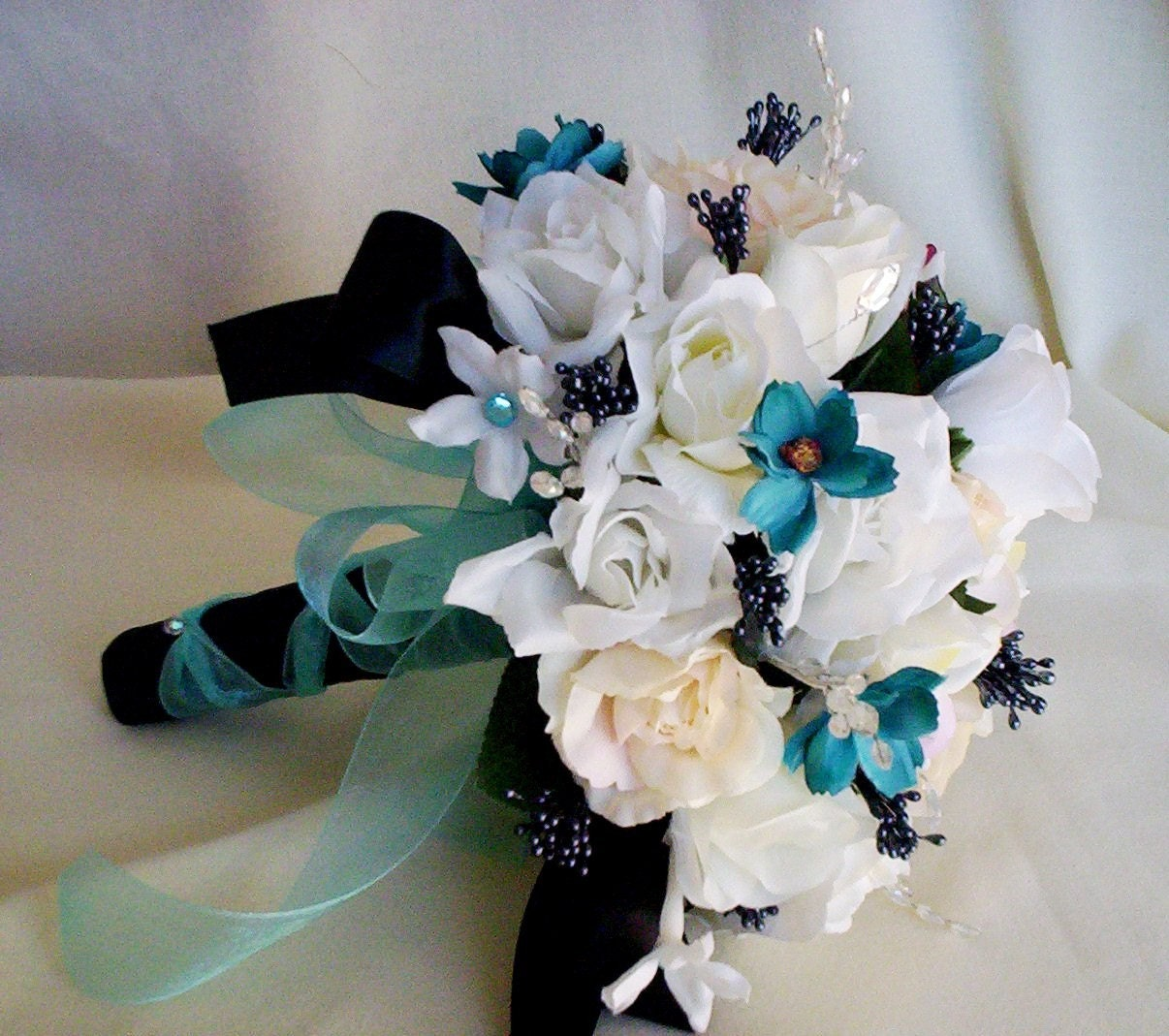 turquoise bridal bouquet black aqua turquoise wedding flowers. Black Bedroom Furniture Sets. Home Design Ideas
